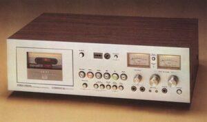 Mid-price Cassette Decks