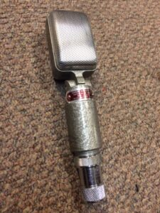 Reslo Red ribbon mic